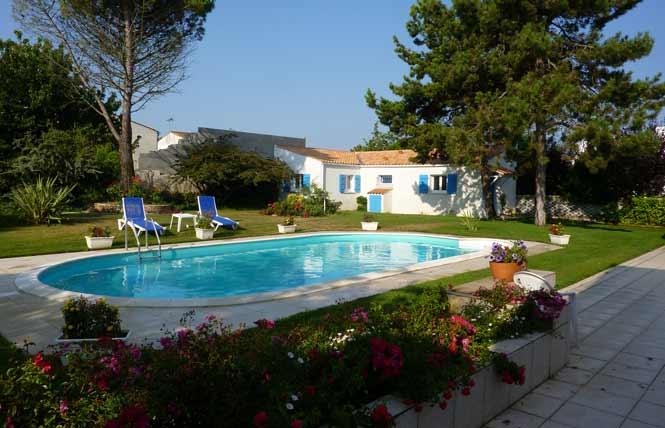 Location de vacances proche de La Rochelle avec piscine